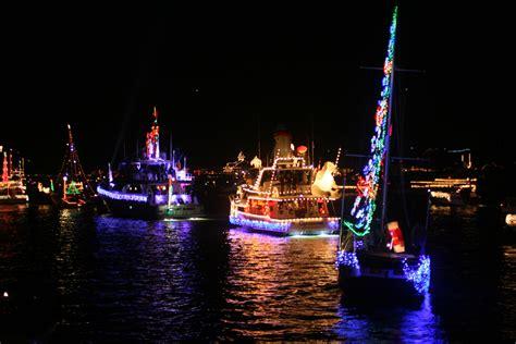 christmas boat parades  la  orange counties