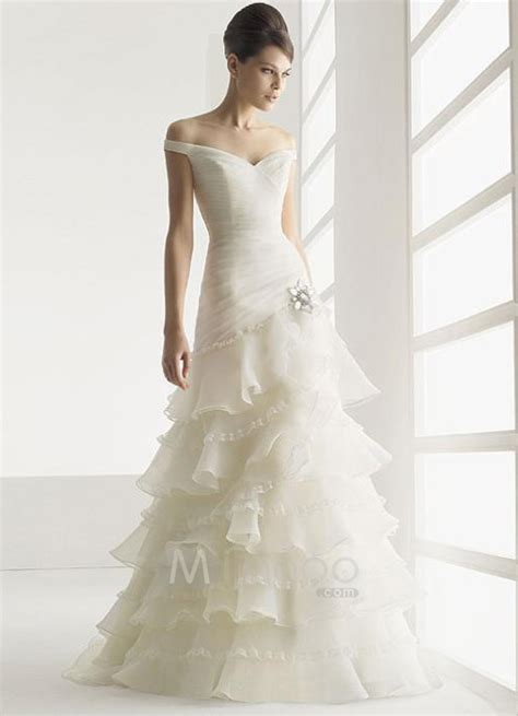 Wedding Gowns Accessories by Wedding Dresses Bridal Accessories