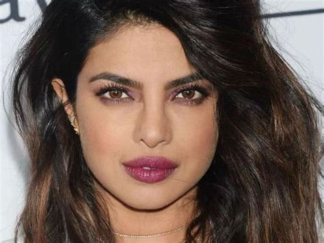 priyanka chopra fashion video priyanka chopra sweet hot sexy and beautiful photos