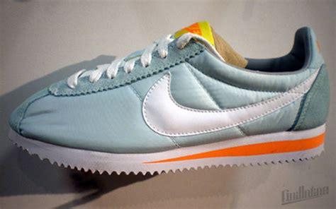 Sepatu Nike Cortez 09 Kanvas Orange nike sportswear wmns cortez 2010 sneakernews