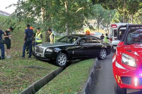roll royce singapore rolls royce driver arrested on suspicion of drink driving