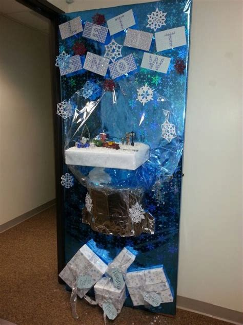 themed door decorating contest the world s catalog of ideas
