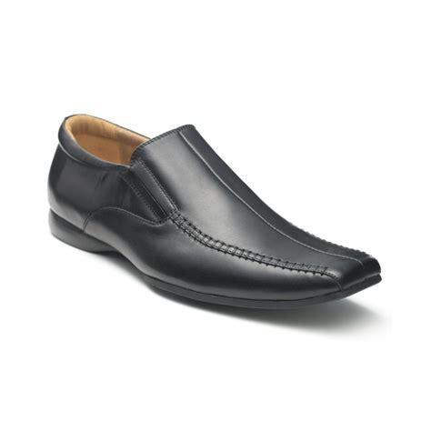 black sandals steve madden dress shoes