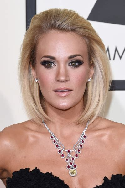 Carrie Underwood Hairstyle by Carrie Underwood Mid Length Bob Shoulder Length