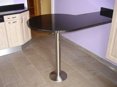 pied bar cuisine granits d 233 co table bar en granit noir finition
