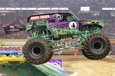 monster trucks videos grave digger grave digger wallpapers wallpaper cave