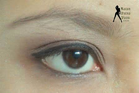 Maskara Coklat Wardah racun warna warni matte eyeshadow dari wardah