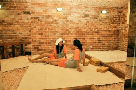 korean room salon a beginner s guide to korean spas in los angeles what to expect what to bring and what to do