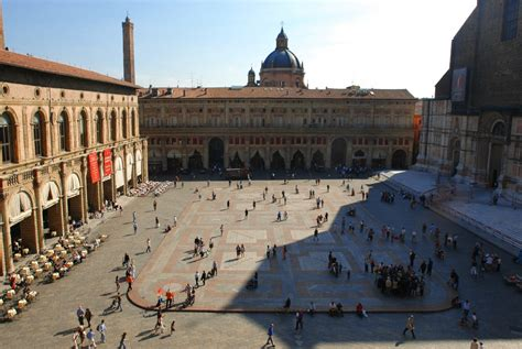 Italian Piazza Pictures