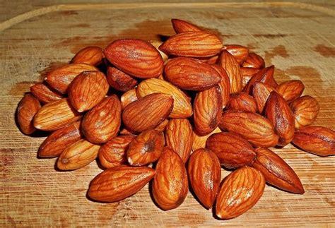 Kacang Almond Mentah 1kg harga kacang almond per kg terbaru 2018