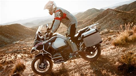 bmw   gs   gs adventure review