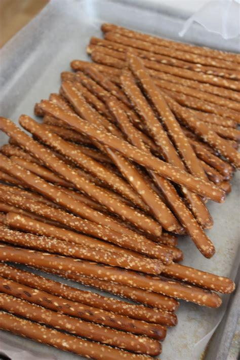 pretzel rods 5m creations chocolate dipped pretzel rods