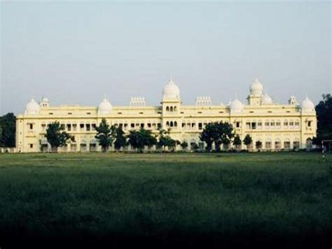 Lucknow Mba lucknow offers mba admission 2014 careerindia
