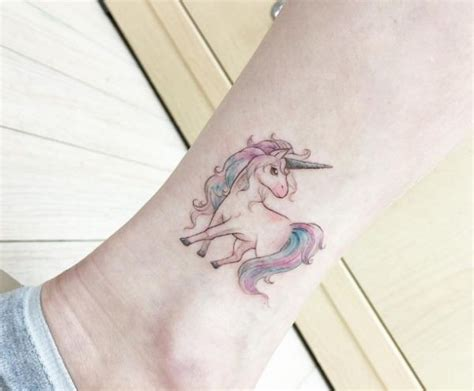 small unicorn tattoos 25 best ideas about tatuajes unicornio on