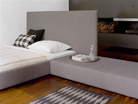 Gepolstertes Kopfteil Bett by Gepolstertes Bett Mit Hohem Kopfteil Pardis By E15 Design