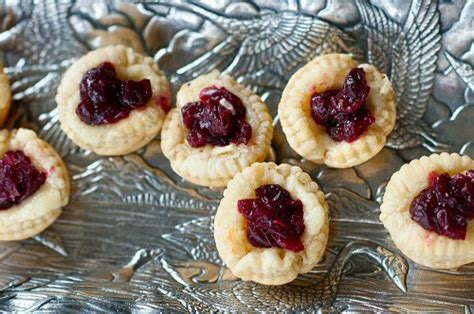 once a bites will it bite again once again with the cranberries brie cranberry bites entertainingcouple