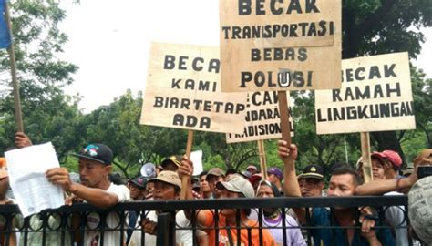 ahok human rights pedicab drivers report ahok to human rights commission