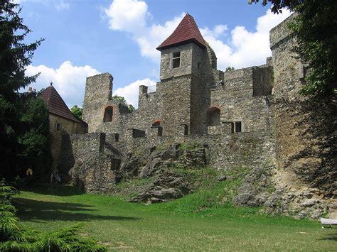 Castle L by Klenov 225 Castle