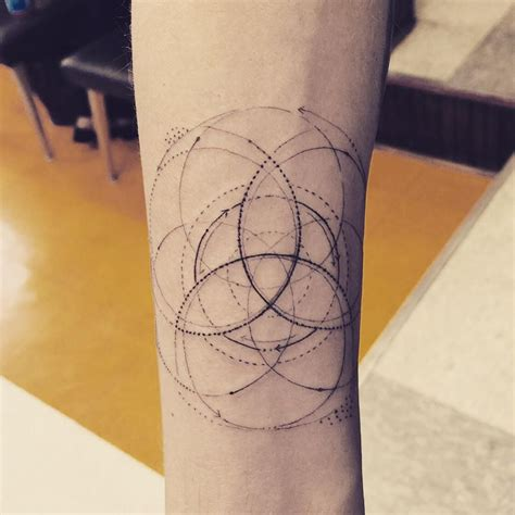 frances bean tattoos frances bean cobain on triquetra and tatoo