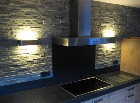 achterwand keuken leisteen steenstrip achterwand met indirecte verlichting naar boven