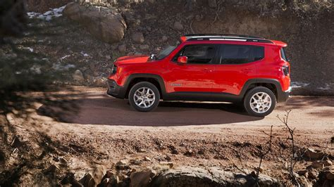 tiny jeep renegade built in italy is at the center of fiat
