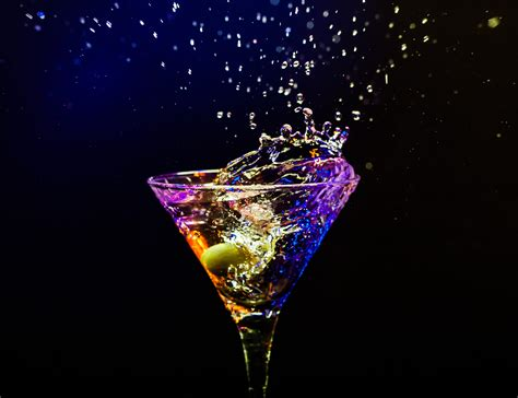 martini glass background wallpaper black background reflection drink