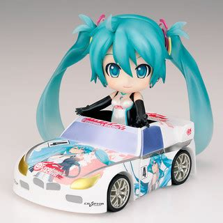 Figma Racing Miku 2011 Ver Returns nendoroid racing miku 2011 ver returns image 5 7