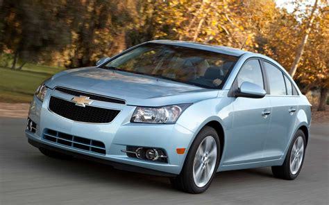how to learn about cars 2012 chevrolet cruze user handbook 2012 chevrolet cruze 2lt editors notebook automobile magazine