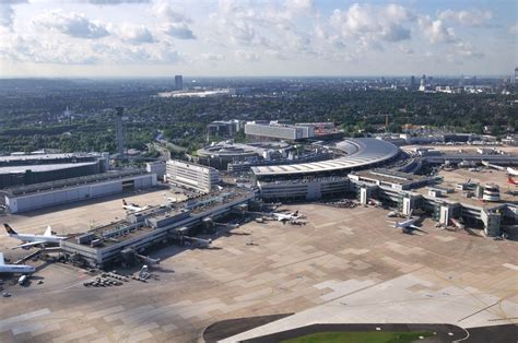 flughafen dã sseldorf airport d 252 sseldorf flughafen foto bild architektur