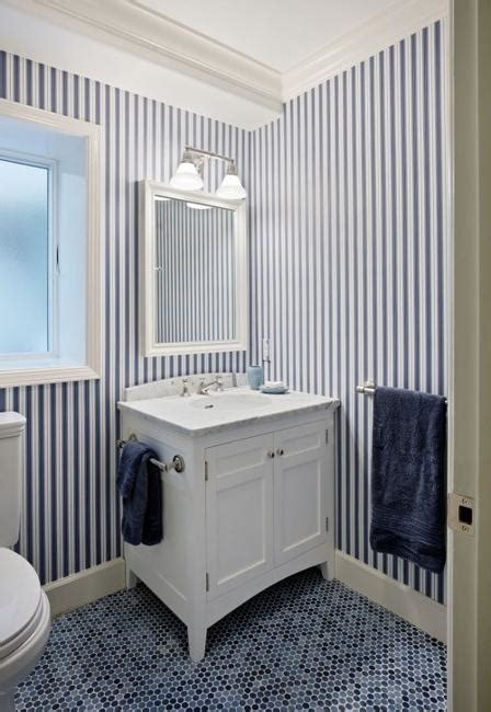 Bathroom Wallpaper Stripes by Modern Interior Decorating With Stripes In White And Blue