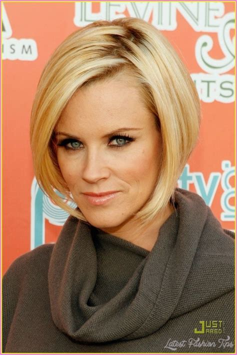 current pictures of jenny mccarthys hair jenny mccarthy bob haircut back view latestfashiontips com