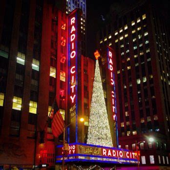 radio city christmas tree the radio city stage door tour 1056 photos 486 reviews venues 1260 ave of the
