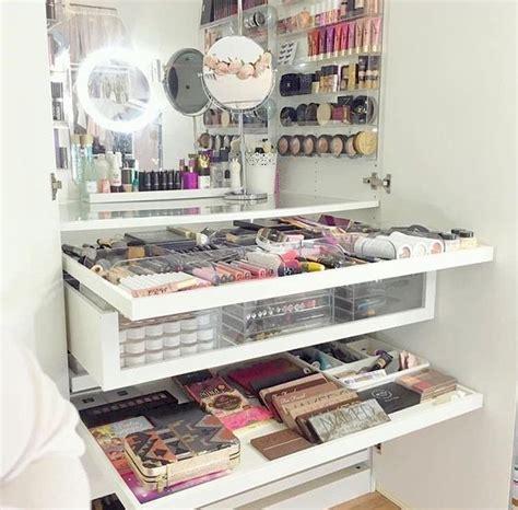 Makeup Vanity Storage Ideas by 17 B 228 Sta Bilder Om Room And Makeup Storage P 229 Sminkbord Makeupf 246 Rvaring Och