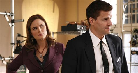 will there be a new episode of castle for 2016 or 2017 holiday tv bones gets first thanksgiving episode