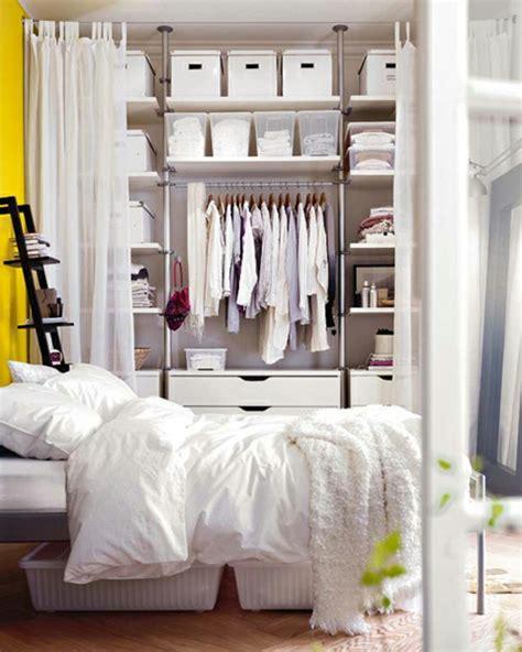 regal verdecken vorhang aufbewahrungsideen im schlafzimmer 35 ausgekl 252 gelte l 246 sungen