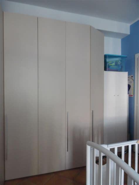 armadio da letto ad angolo propongo armadio da letto ad angolo casa vendo