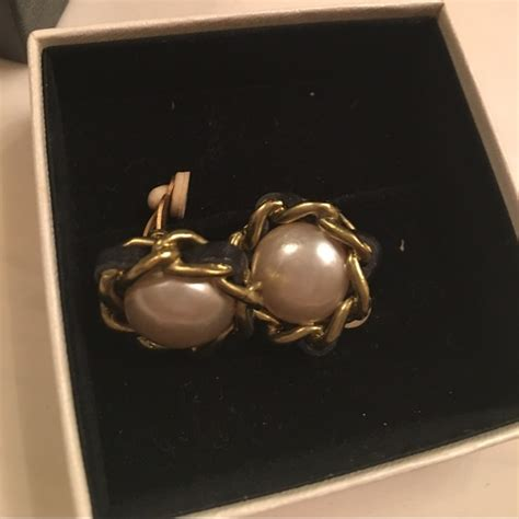 Earring Chanel Kode 1005 77 chanel jewelry coco chanel earrings vintage with code nobox from camelia s closet on