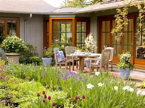 landscaping ideas  beginners  homes gardens