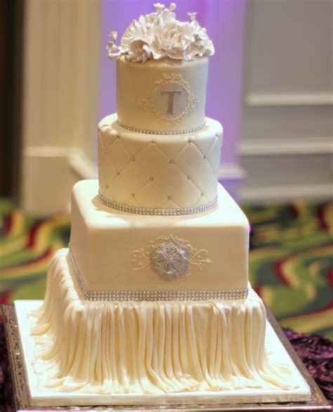 Traumhafte Hochzeitstorten by Satin Draping Wedding Cake Ambrosia Cake Creations