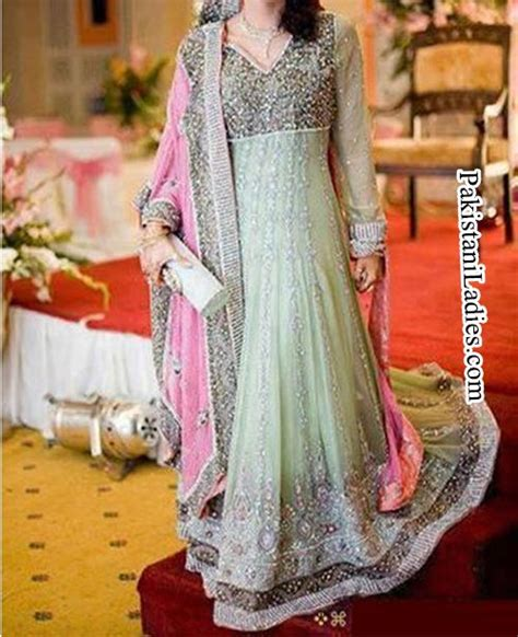 dress design in pakistan 2015 facebook fashion trend long tail frock gown bridal dresses 2015 walima