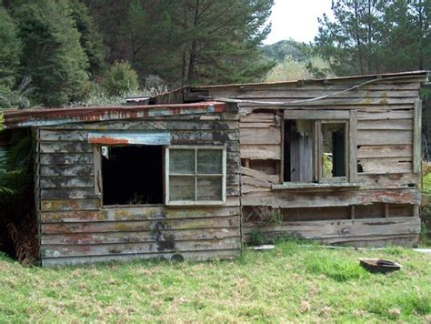 shack photo 1531017 freeimages