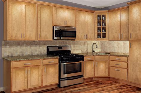 maple shaker kitchen cabinets honey maple shaker cabinets mf cabinets