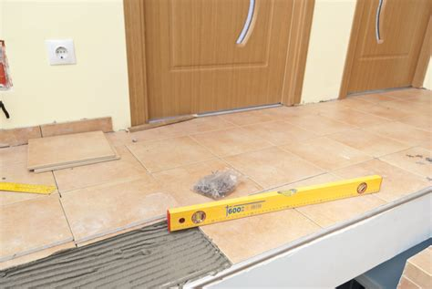 Laying Tile On Countertop by How To Level Tiles Granite Tile Countertop For Kitchen