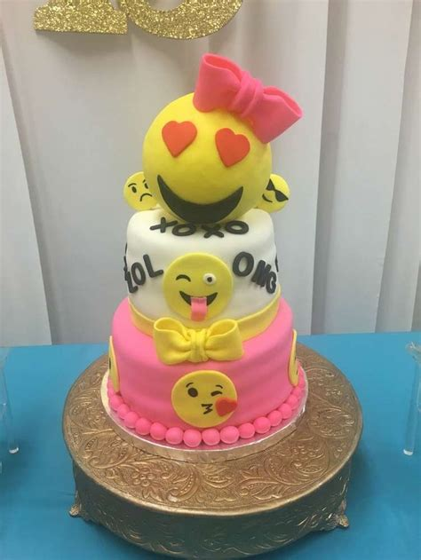Wedding Cake Emoji by Emoji Unicorn Birthday Cakes Foto 2017