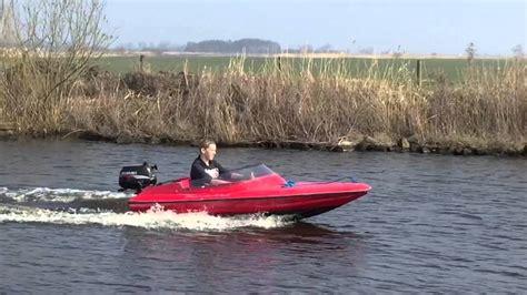 vaarbewijs rubberboot spitfire met suzuki 4 pk 4 takt buitenboordmotor varen