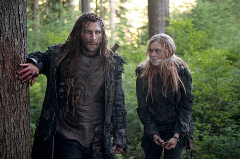 the 100 tv show season 3 premiere the 100 3x02 preview guide wanheda part two fangirlish