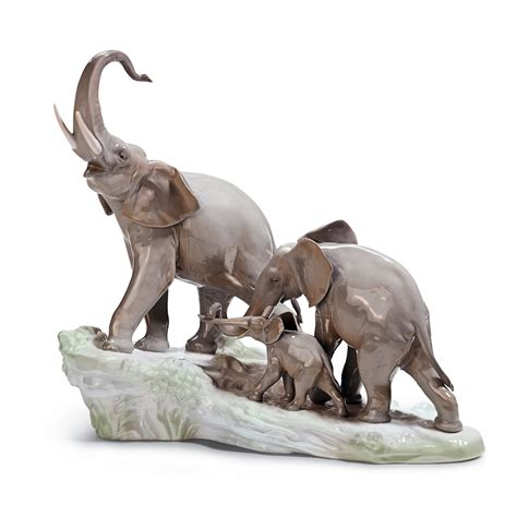 elephant figurines elephants walking 01001150 lladro figurine