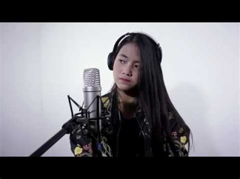 despacito hanin dhiya despacito cover by hanin dhiya youtube