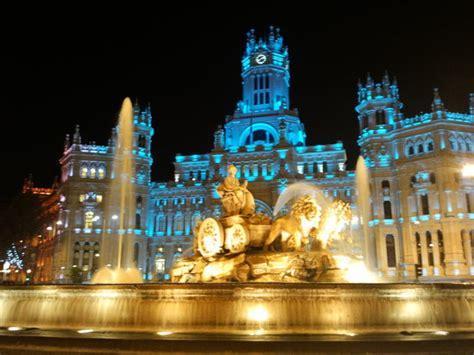 madrid comunidad de madrid d g de la mujer the elegant alcala street at night fotograf 237 a de madrid