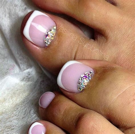 toenail trends 25 best ideas about acrylic toe nails on pinterest